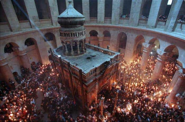 Holy Fire 2021 ceremony at Church of Holy Sepulchre draws crowds in Jerusalem (Video) 1