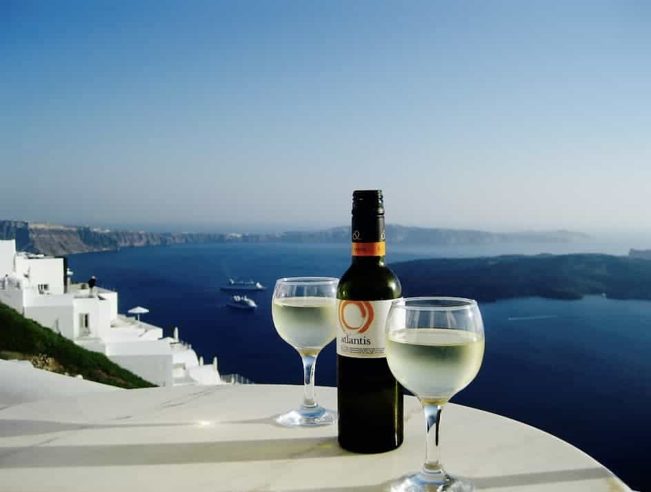CNN raises its glass to Santorini 12
