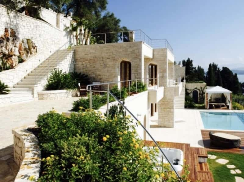 Is now the right time to buy property in Greece? 2