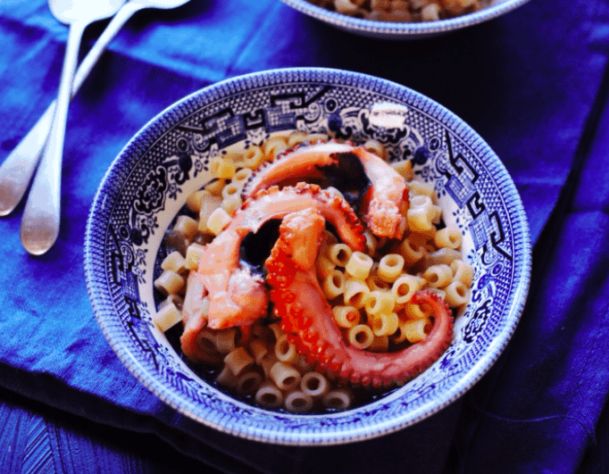 Braised octopus with short pasta (χταπόδι μακαρονάδα) 2