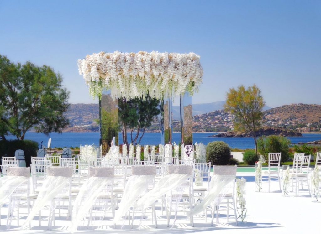 Another Win For Greece S Tourism Sector In The Recent World Travel Awards As Five Star Grand Resort Lagonissi Was Voted Europe Leading Luxury Wedding