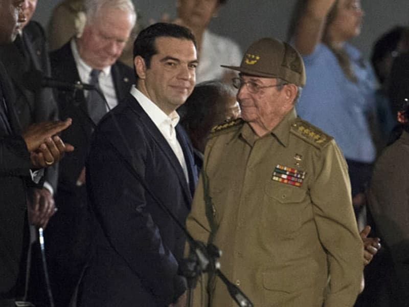 Greek PM holds talks with Raúl Castro after Fidel funeral 18