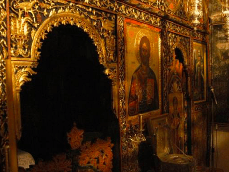Greek village churches robbed by Albanian thieves 6