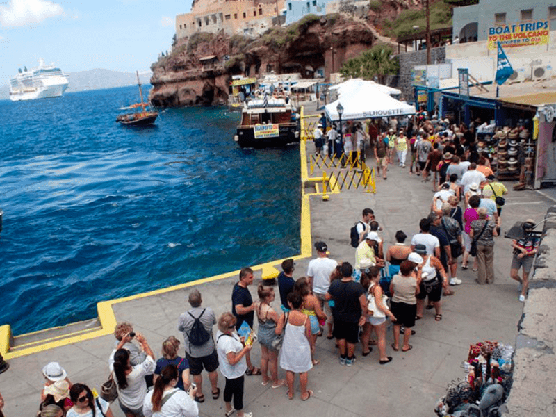 UN disputes Greek Tourism Numbers and Revenue 1