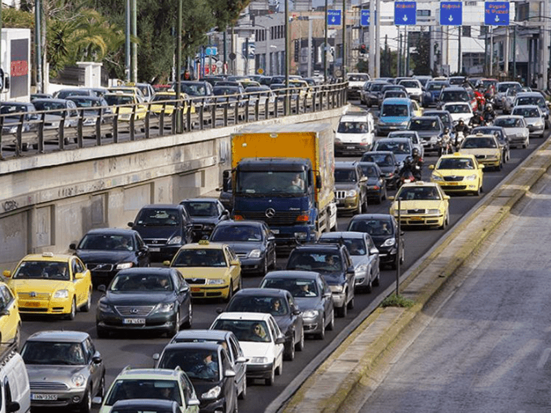 Metro & train strike causes huge traffic jams across Athens 3