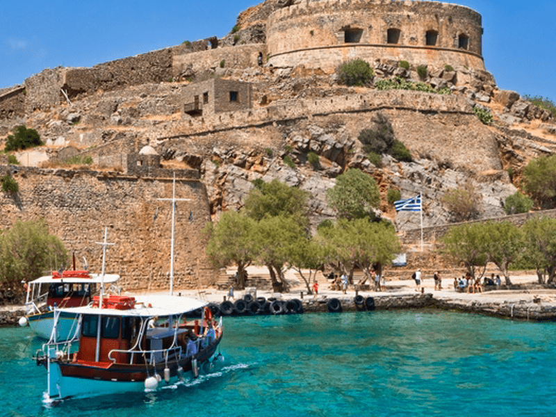 Extended operating hours for Museums & sites in Greece for holiday period 12