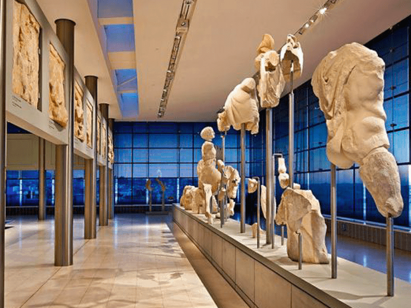 Strike this weekend at Athens museums set to take a toll, says Greece's Tourism Minister 9