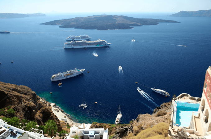 Bomb prank on Santorini ferry follows real threat near Larisa 2