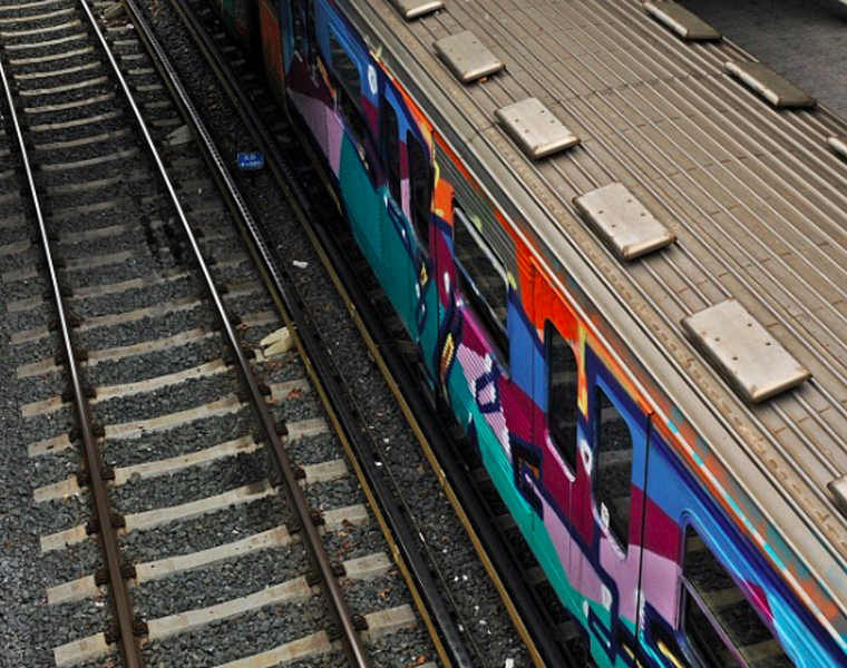 Frenchman dies during graffiti spree on Athens train carriage 20