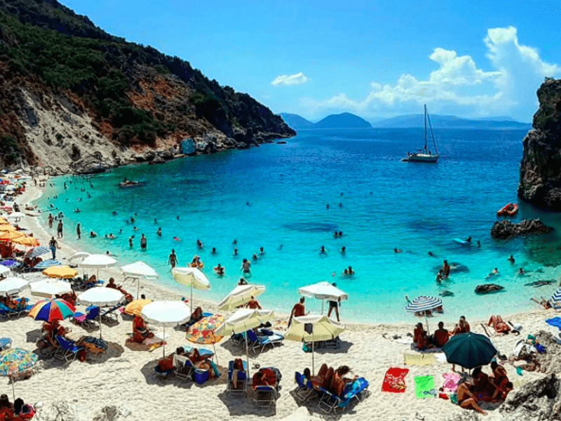 Greece's weather & tourism continue to shine in September 2