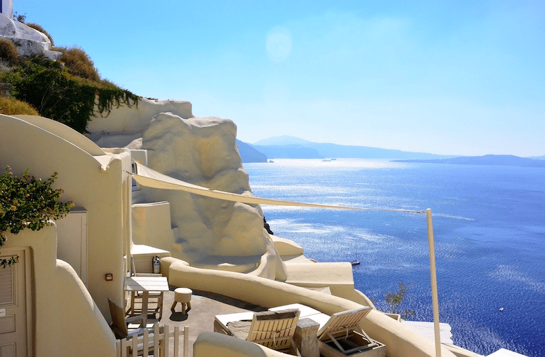 Two leading hotels in Santorini named best in Europe and the world 1