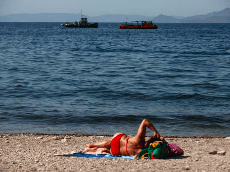 Athens coast line clean up nearly complete say Greek officials 5