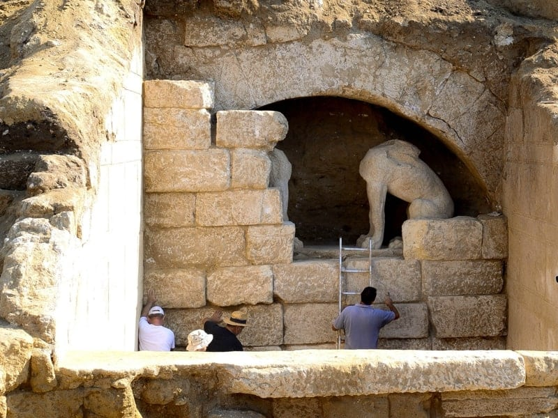 Greek President made honourary citizen of Amphipolis as he restates ancient Macedonia's Hellenic identity 6
