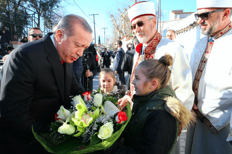 Erdogan visits muslims in Thrace before concluding visit to Greece 2