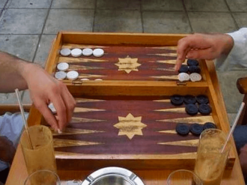 All you need to know about Tavli, Greece's national board game 37