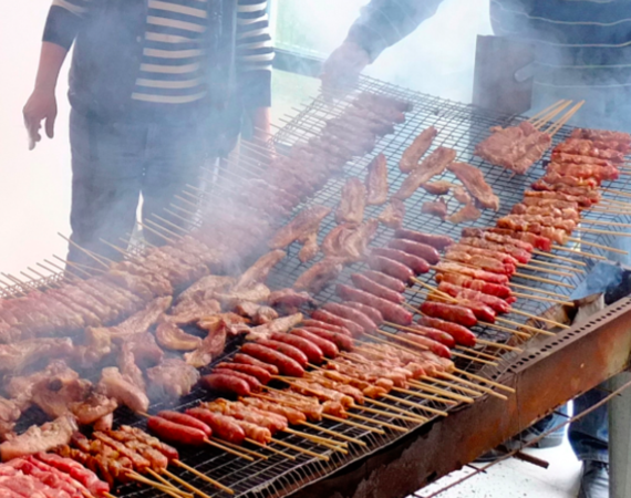 Tsiknopemti: a day Greeks consume all the meat they can 1