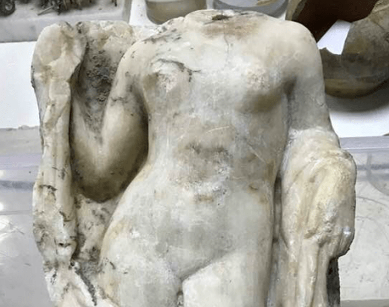 Headless Aphrodite statue discovered in Thessaloniki 4