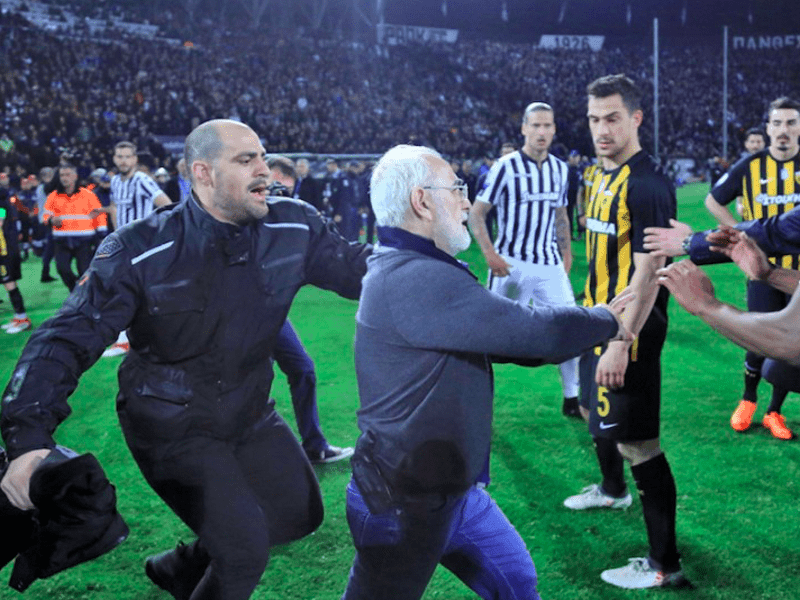 Greek Superleague suspended after PAOK club owner appears on field with gun 16