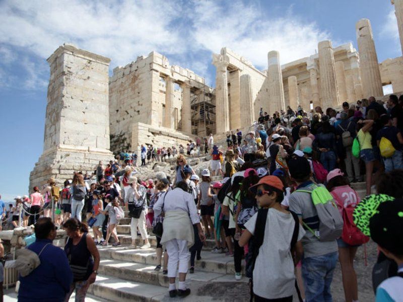 Greece set to break record with 32 million international visitors in 2018 1