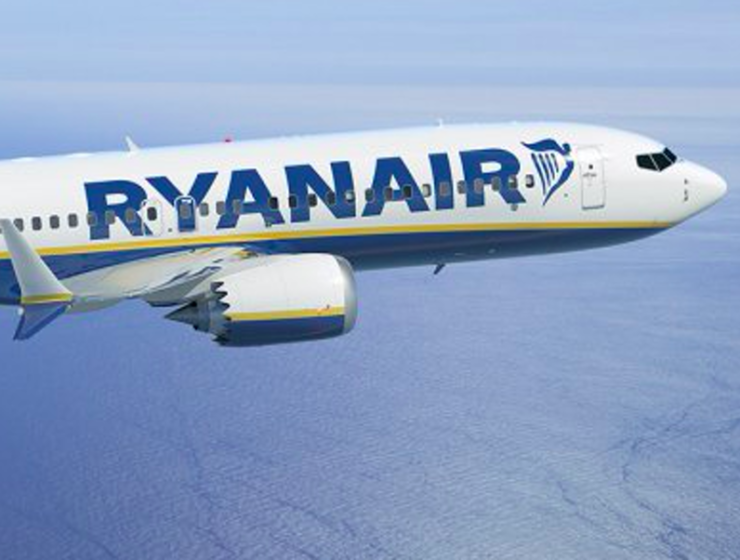 Ryanair reduces Greek domestic routes, closes hub in Chania 12