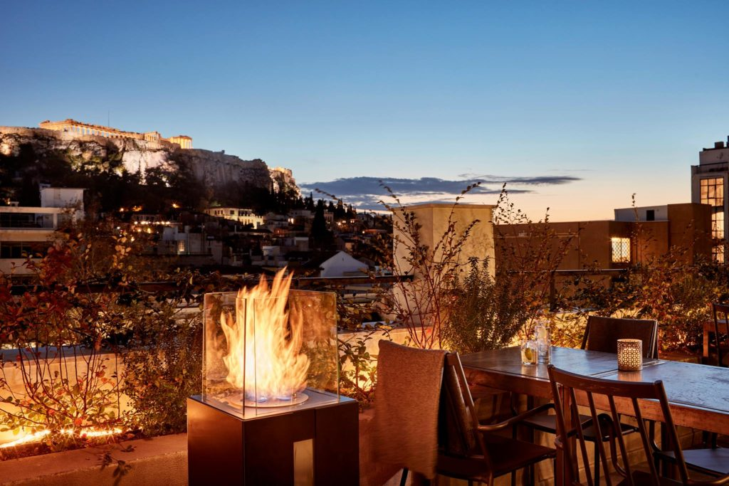 Top 8 Rooftop Bars and Restaurants in Athens 1