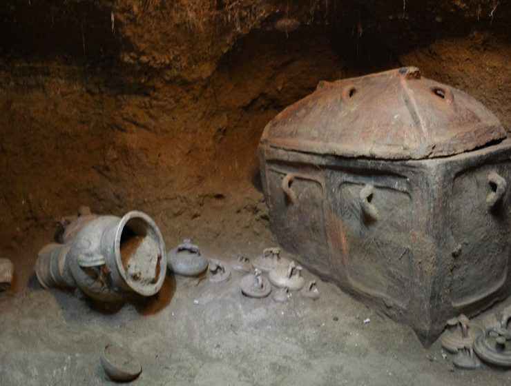 Tomb of Bronze Age Minoan man discovered in Crete 16