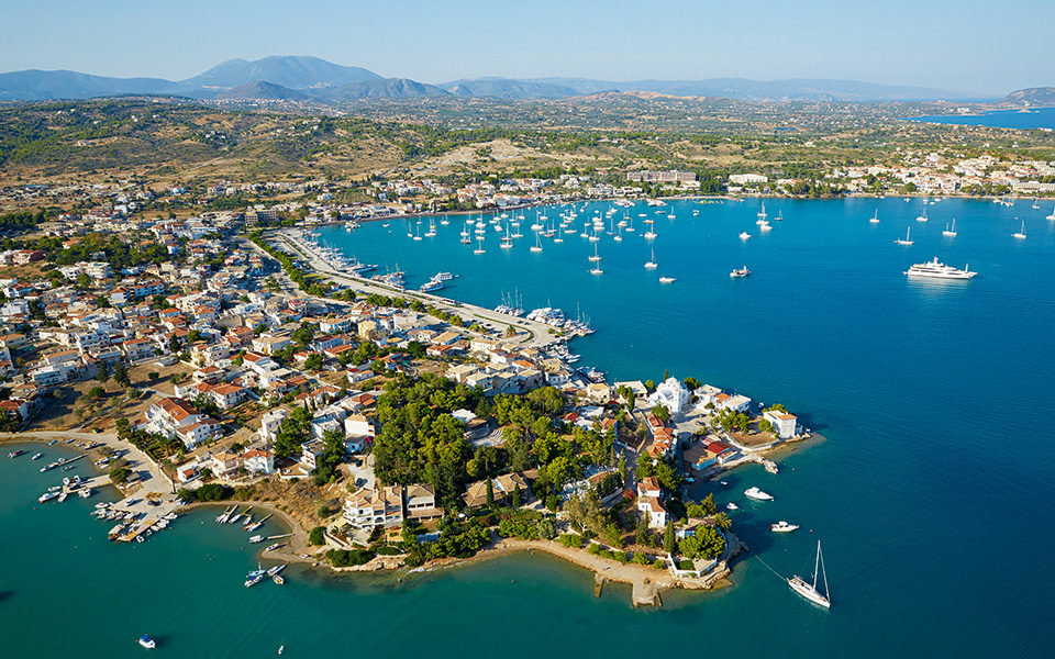 Why the wealthy head to Porto Heli every Summer 1