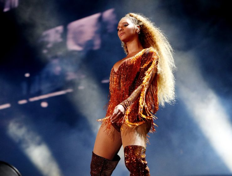 Beyoncé wears custom-made bodysuit by Greek Fashion Designer 22