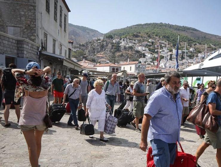 Lights back on in Hydra as power is fully restored 3