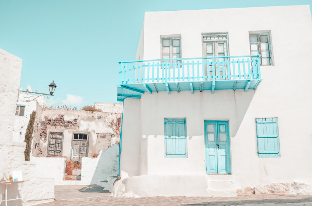 Exploring the magical Cycladic island of Milos 2