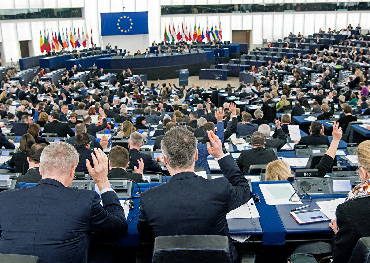 Europeans step up fight against terrorism and crime 12