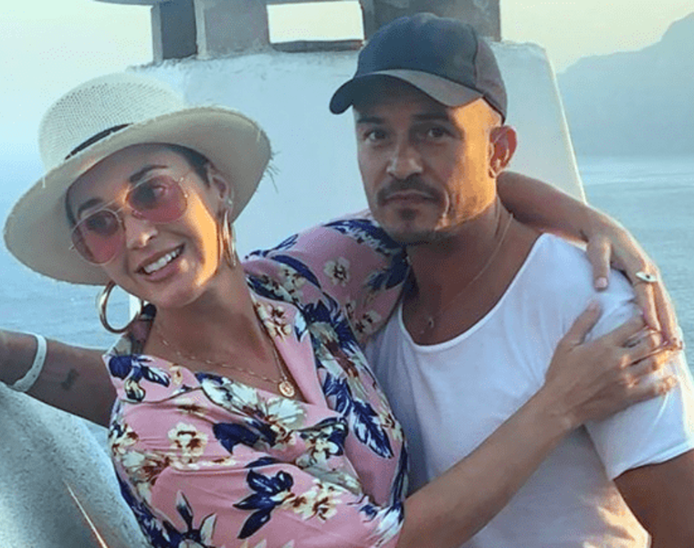 Katy Perry on a romantic getaway with Orlando Bloom in Corfu 36