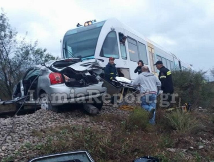 Train collides with car in Lamia, leaving one woman dead 12
