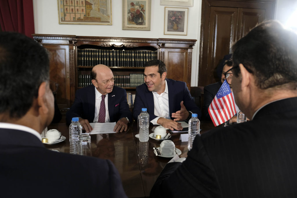 Tsipras meets Wilbur Ross to attract US investment to Greece 2