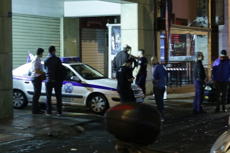 Anarchists attack Omonia Police station 38