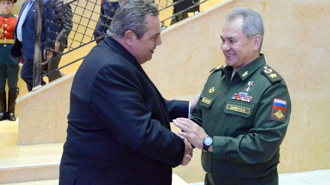 Greek Defence Minister meets with Russian counterpart 1