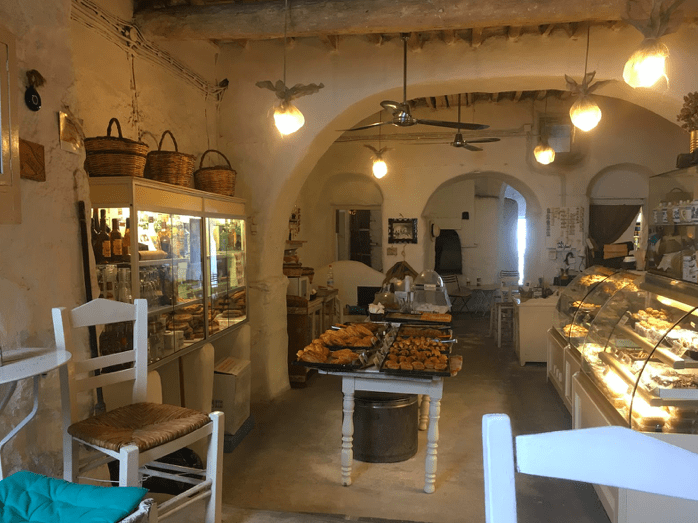 Gioras, the oldest working Bakery on Mykonos island 9