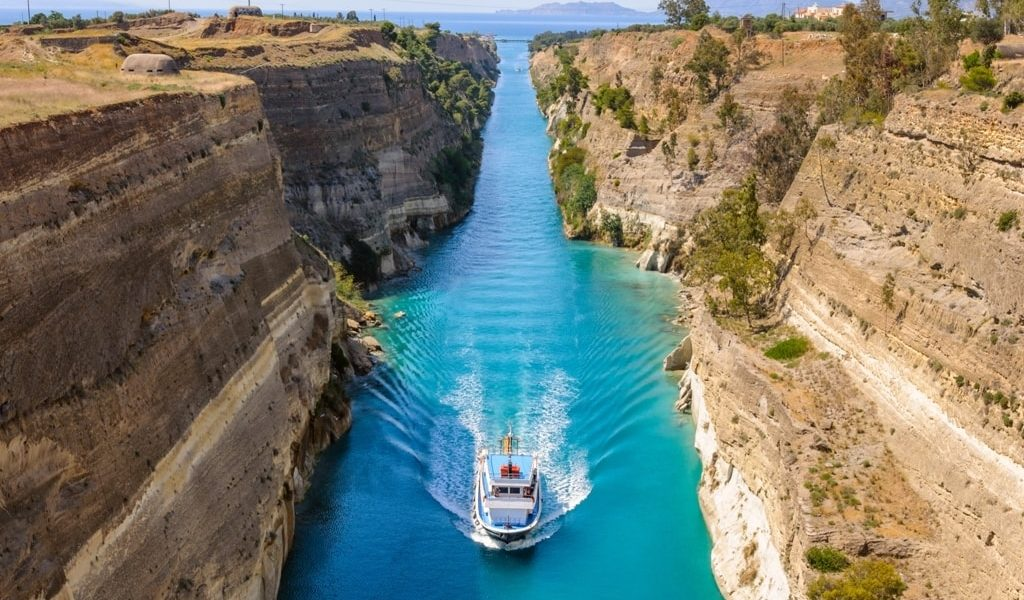 Corinth canal gets funding to ensure it reopens 1