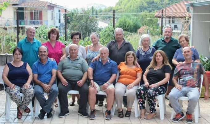 Fifteen Greek siblings reunited at their 'Patriko' after 40 years 2