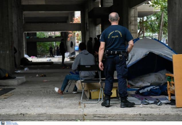 Police clean up 'informal' migrant camp due to health concerns 18