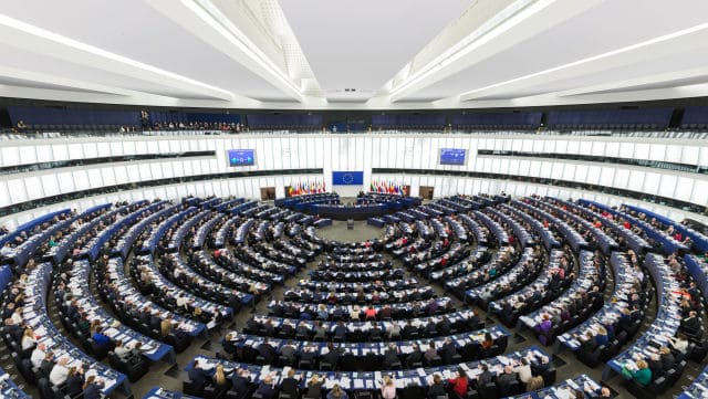 European Parliament Budget Committee approves €2.3 million aid for 550 redundant Greek media workers 38