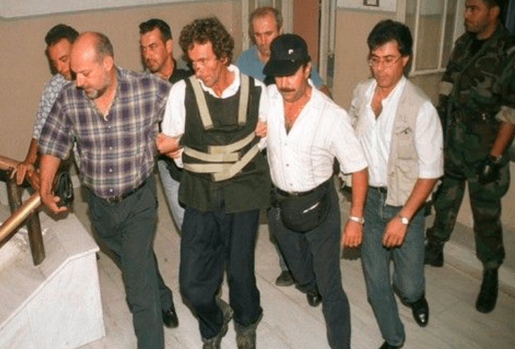 Father who killed his 3 children in Crete, released from jail 2
