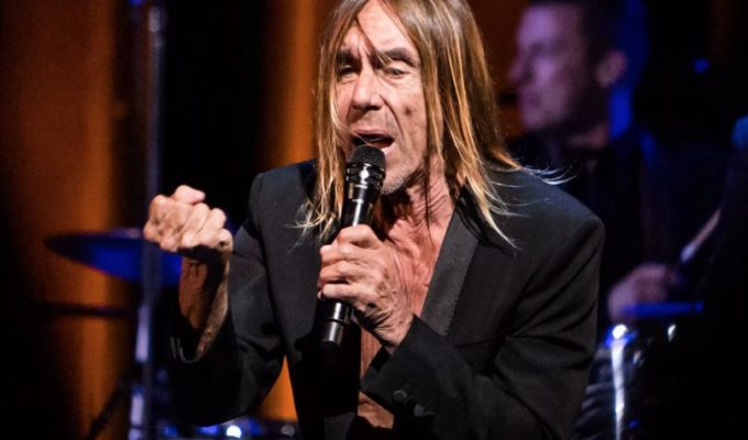 Iggy pops into Greece for one day concert 3