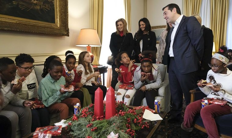 PM welcomes children's Christmas Choir 8