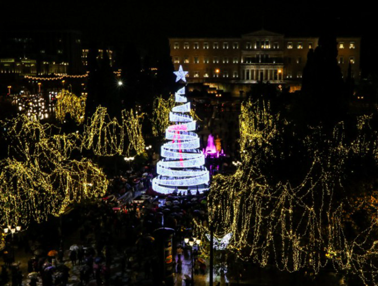 Christmas tree lights up in the heart of Athens (VIDEO) 50