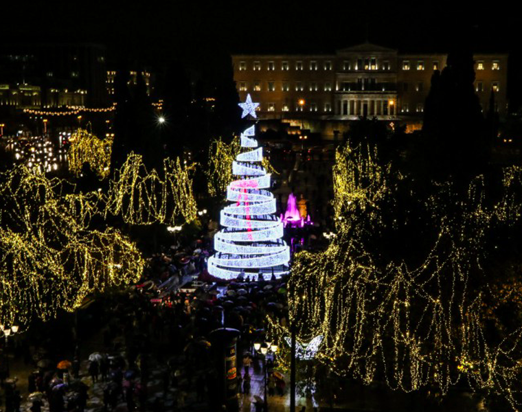 Christmas tree lights up in the heart of Athens (VIDEO) 28