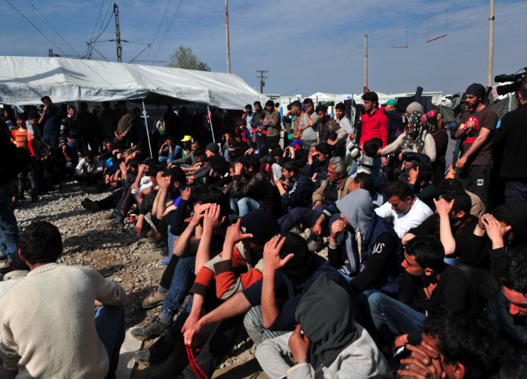 Human Rights Watch accuses Greek authorities of beating migrants 16
