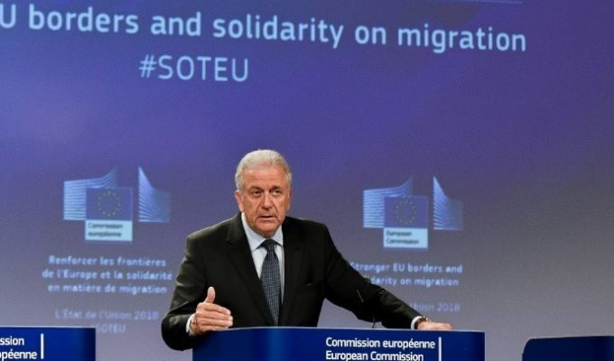 No country can confront migration challenges alone: Avramopoulos 6