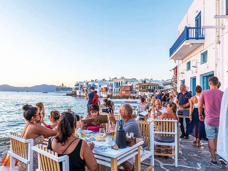 Greece named as one of the most hospitable places in the world 1