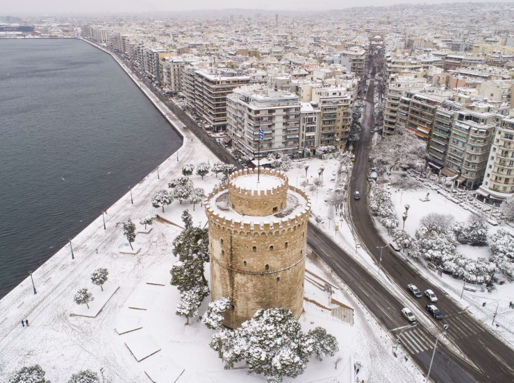 Snow will continue to fall all across Greece 44